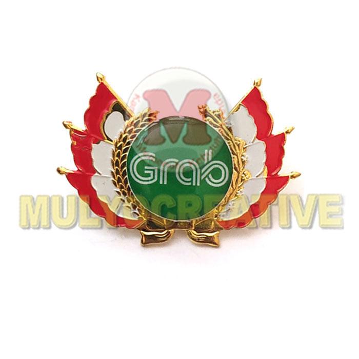 Order Pin Logo Custom Harga Murah – Pin Lencana Grab Model Bendera Bahan Logam Kuningan