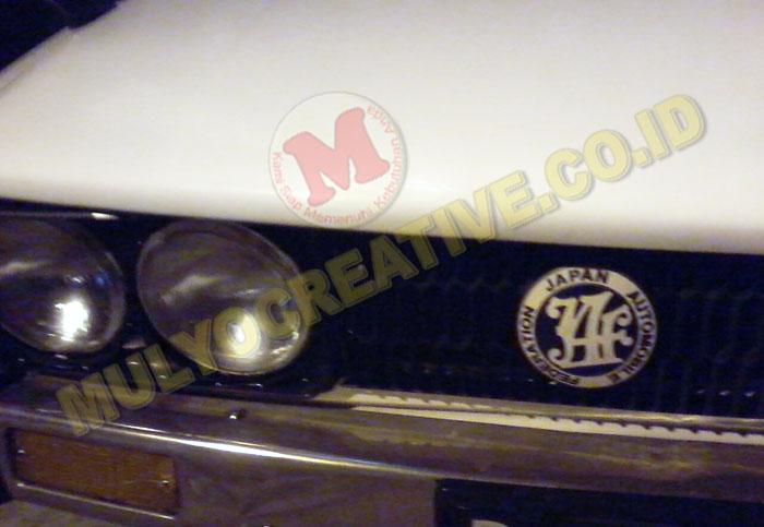 Contoh pemasangan emblem grill JAF