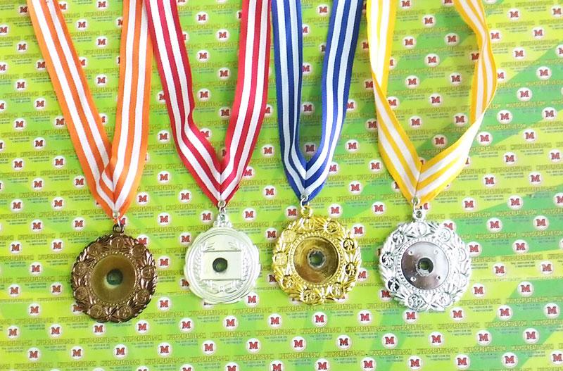Medali polos/ medali kosongan tinggal ditempel logo