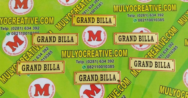 Label Brand Tas Grand Billa bahan: logam kuningan warna: hitam-merah