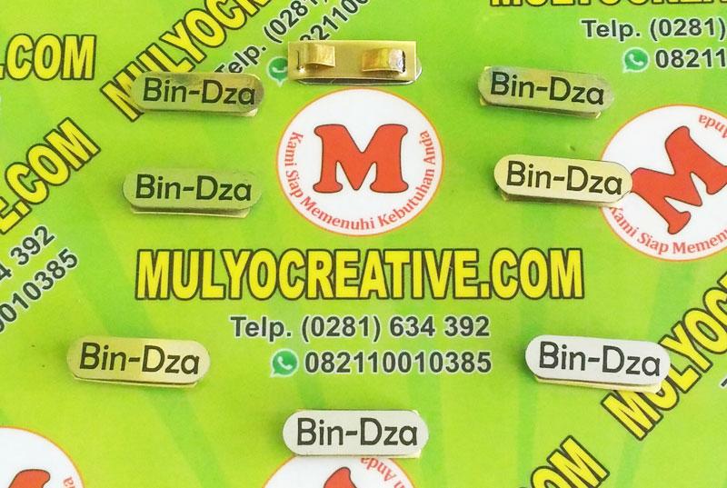 Label Brand Tas Bin Dza bahan: logam kuningan warna: hitam