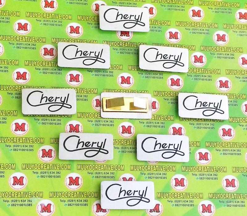 Label Brand Tas Cheryl bahan: logam stainless warna: hitam