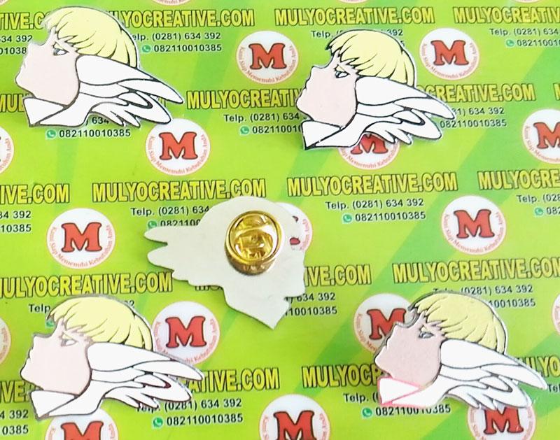 contoh pin enamel desain custom: bentuk gambar angel, peri